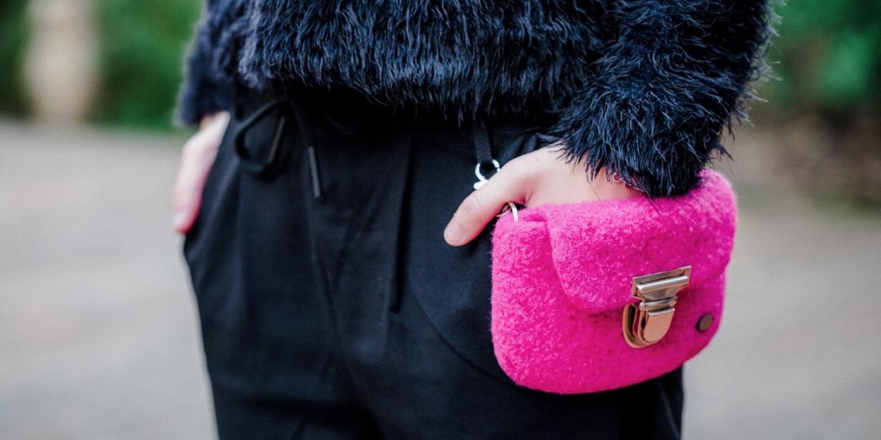 Marion Freiwald - meiTaschi, Hüfttaschen aus Wolle gefilzt