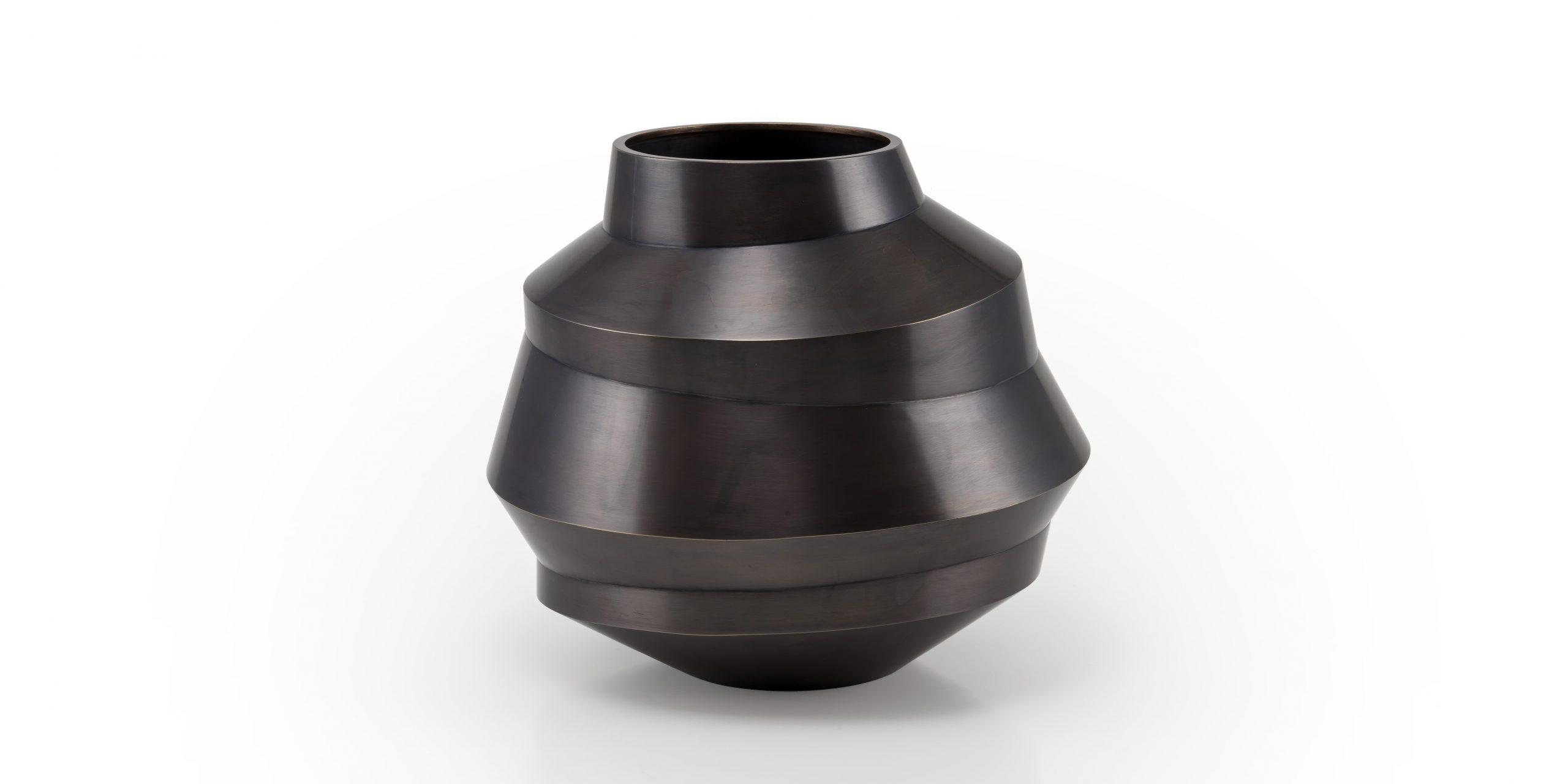 Leonards - Silberschmiede, Gefäße für den täglichen Gebrauch aus Silber, Bronze und der Messinglegierung Tombak