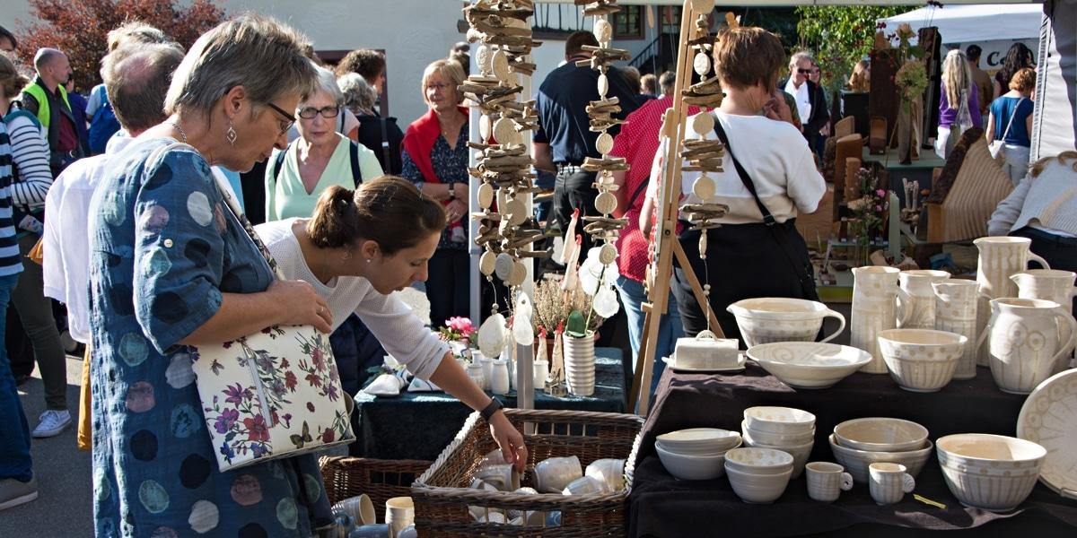Kunsthandwerkermarkt Holzen